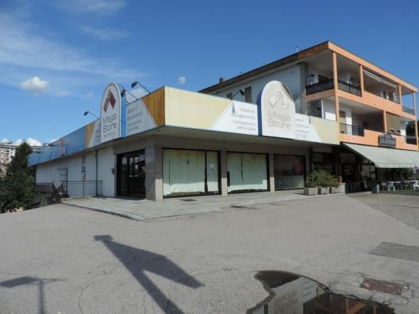 negozio a Dormelletto